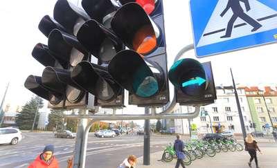 Sygnalizacja świetlna w Olsztynie. Czy powinna być wyłączana w weekendy? [SONDA]