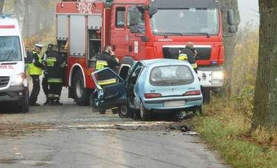 Wypadek na trasie Silec - Leśny Rów. Ranna 20-latka trafiła do szpitala