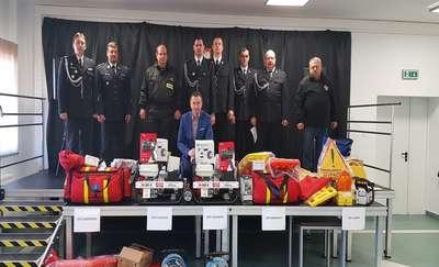 Strażacy ochotnicy z gminy Dąbrówno dostali nowy sprzęt ratowniczy