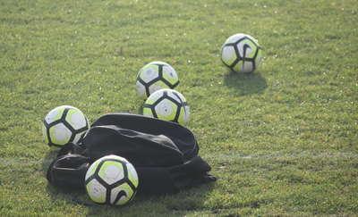 Piłkarski weekend. Cresovia utrzymała się w okręgówce bez konieczności gry w barażach