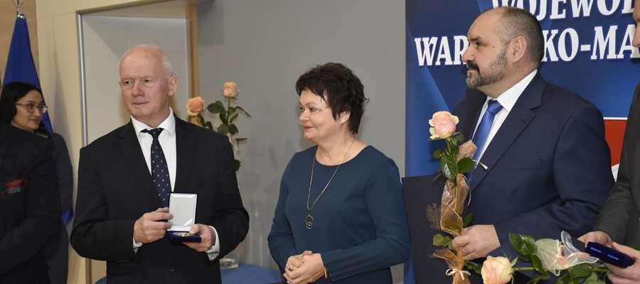 Wójt Tomasz Węgrzynowski został wyróżnimy medalem Amicus Bonus