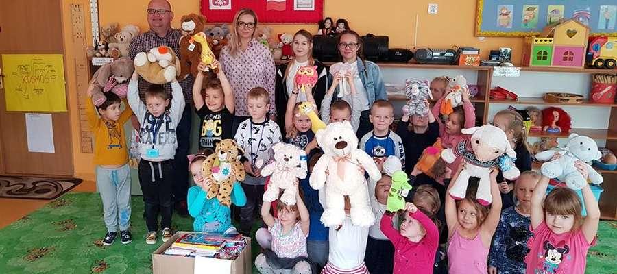 Dzieci z Przedszkola Miejskiego nr 3 w Działdowie zbierały maskotki