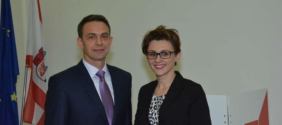Burmistrz Karol Sobczak i jego zastępca Sylwia Wieloch
