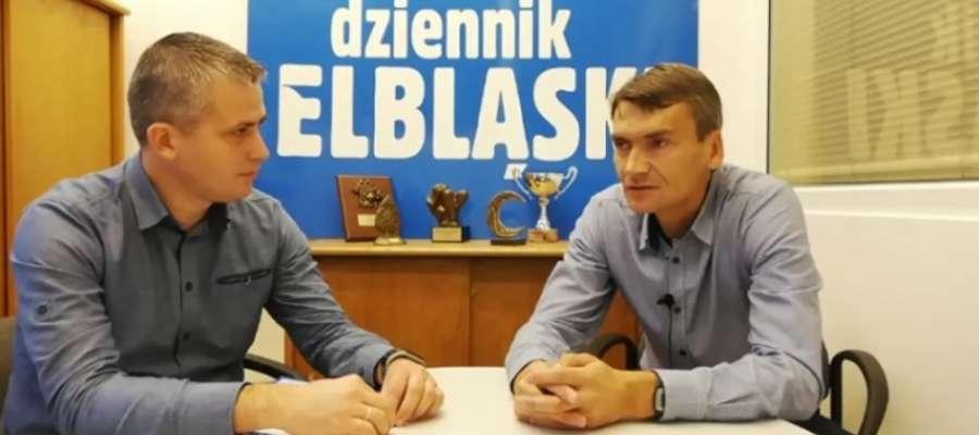 Od lewej: Arkadiusz Kolpert (Dziennik Elbląski) i trener Adam Nocoń