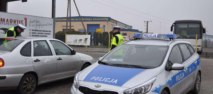 Policjanci będą prowadzili działania kontrolno-prewencyjne, w których zwrócą szczególną uwagę na światła pojazdu