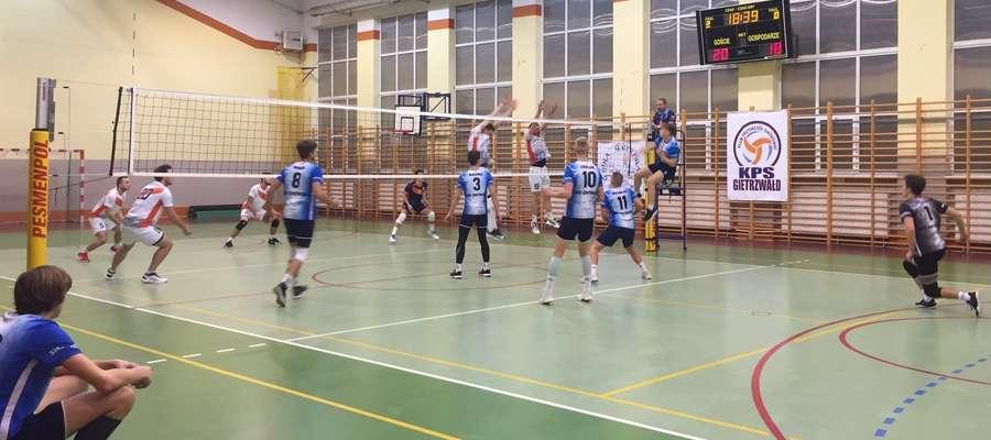 W Gietrzwałdzie młodzi siatkarze SMS Ostróda przegrali 1:3