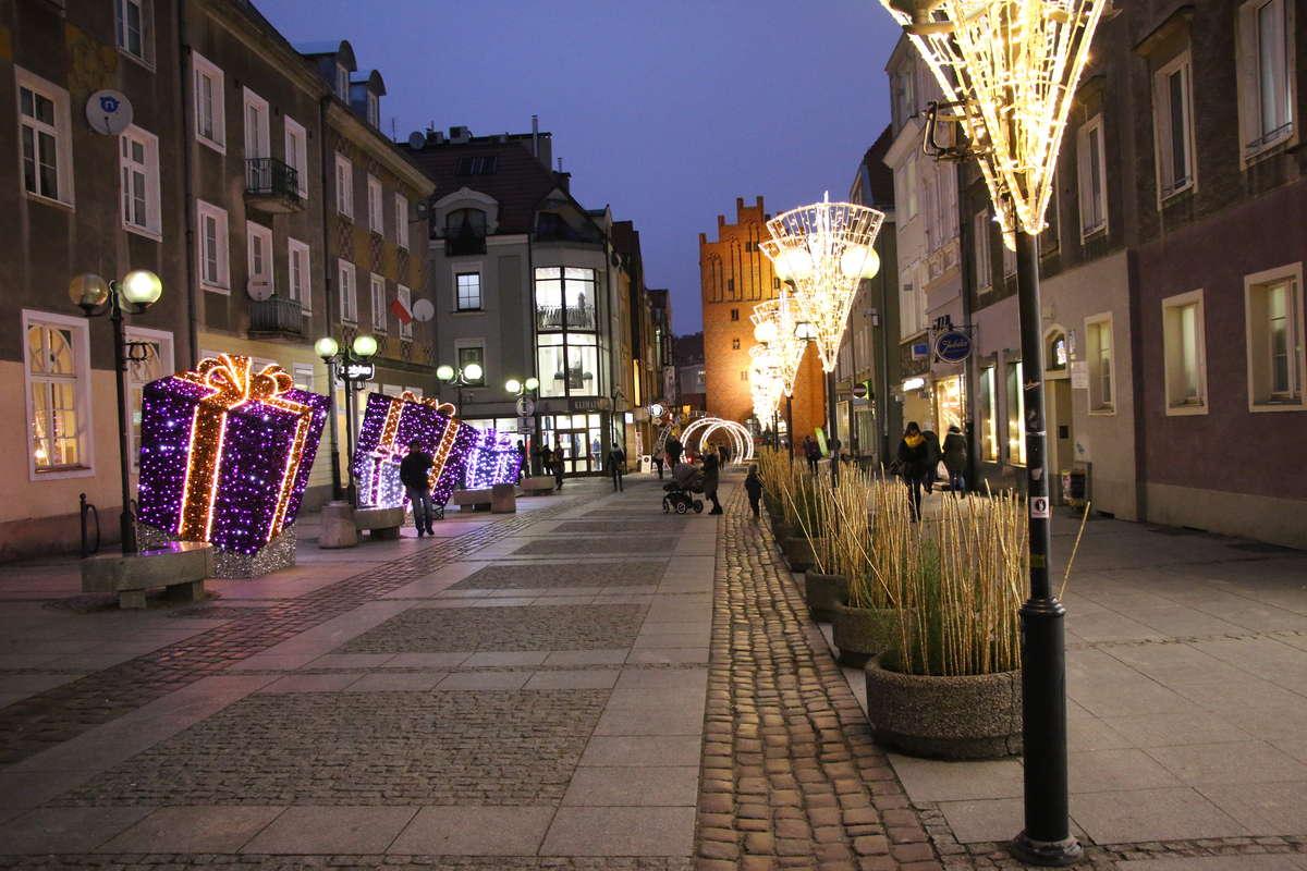 Już dzisiaj rozpocznie się X Warmiński Jarmark Świąteczny w Olsztynie  - full image