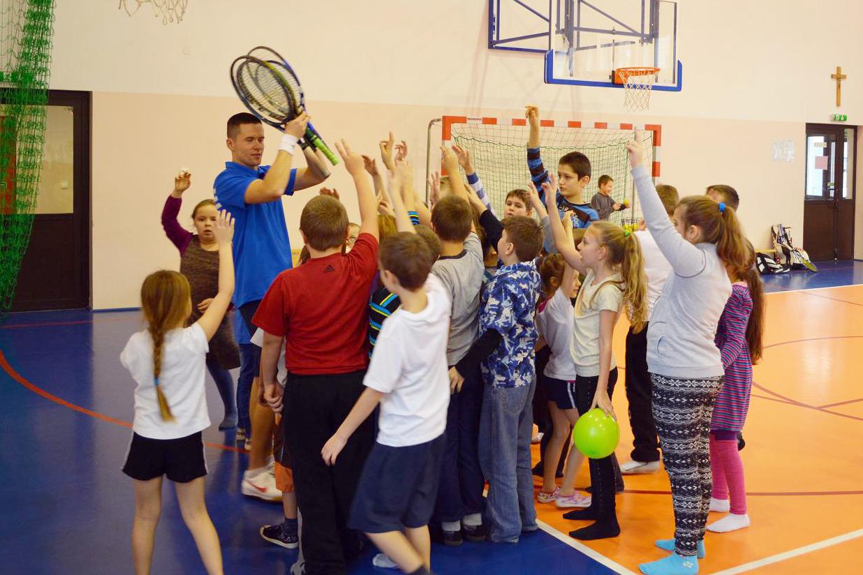 http://m.wm.pl/2018/12/orig/tenis-trening-518338.jpg