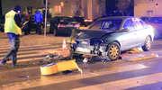 Groźna kolizja w Olsztynie. Samochody zderzyły się przed przejściem dla pieszych [ZDJĘCIA]