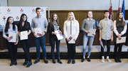 Zdolni uczniowie z Elbląga odebrali stypendia [zdjęcia]