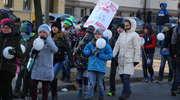 Marszem i tańcem wyrazili sprzeciw