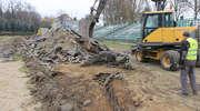 Tak wyglądają prace przy remoncie stadionu w Kortowie [GALERIA]