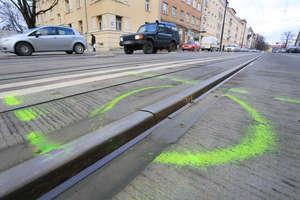 Czarna seria olsztyńskich tramwajów trwa: pękła kolejna szyna. Zawodzi też System Informacji Pasażerskiej