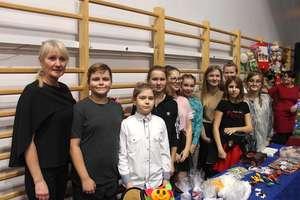 Charytatywnie i świątecznie w Szkole Podstawowej w Lubawie