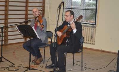 Uczniowie poznawali polską muzykę