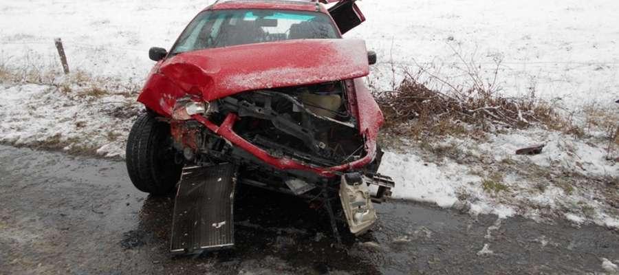 Dwa wypadki na drogach powiatu. Dorośli i dzieci trafili do szpitala