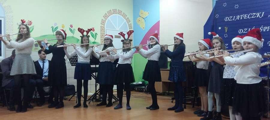 Podczas koncertu w szkole muzycznej