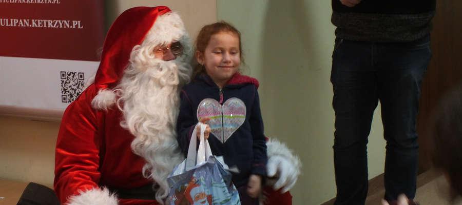 Chętni mogli zrobić sobie pamiątkowe zdjęcie ze Świętym Mikołajem