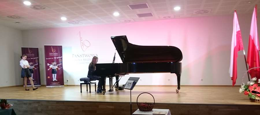 Amelia podczas występu w Lidzbarku Warmińskim