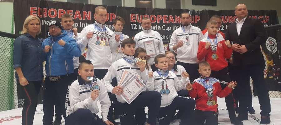 Młodzi medaliści z Klubu Jarosława Piechotki