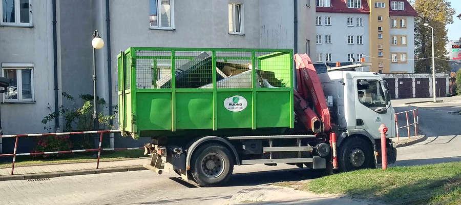 Taki samochód zabierze odpady wielkogabarytowe z 20 miejscowości gminy Grunwald