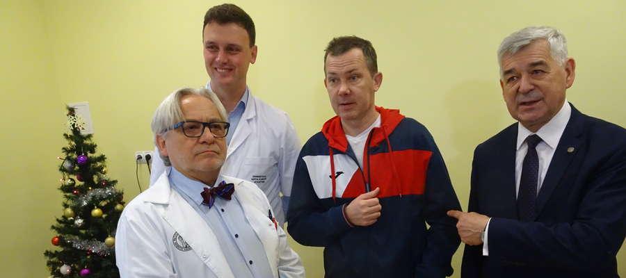 W kilice Budzi: prof. Wojciech Maksymowicz, dr Łukasz Grabarczyk, Artur Gajewski i rektor prof. Ryszard Górecki