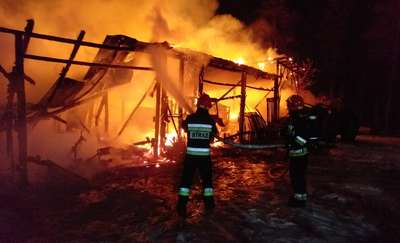 Pożar budynku gospodarczego w Budrach