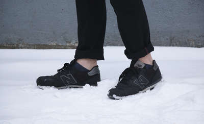 Gołe kostki zimą. Moda czy głupota? [SONDA]