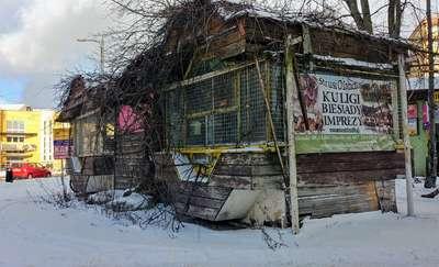 Stary pawilon szpeci Olsztyn, a miasto ma związane ręce