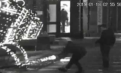 Niszczyli ozdoby świąteczne na Starym Mieście [VIDEO]