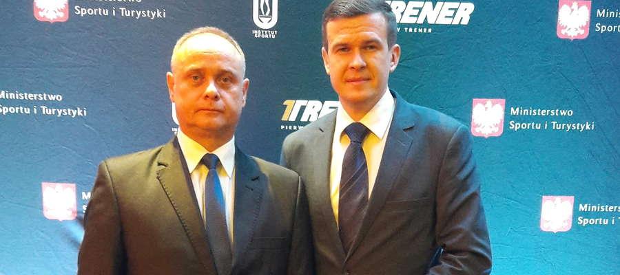 Trener Dariusz Pachucki (z lewej) z ministrem sportu