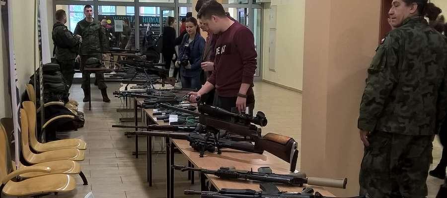 Zajęcia z budowy i przeznaczenia broni strzeleckiej