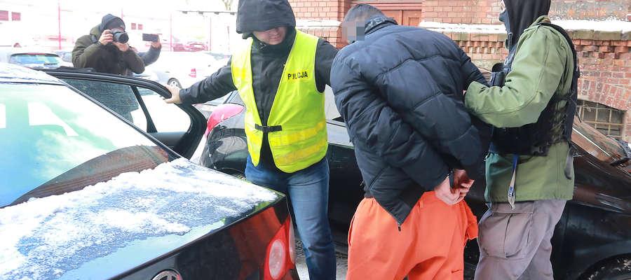 zatrzymanie hejtera groził prezydentowi Olsztyna