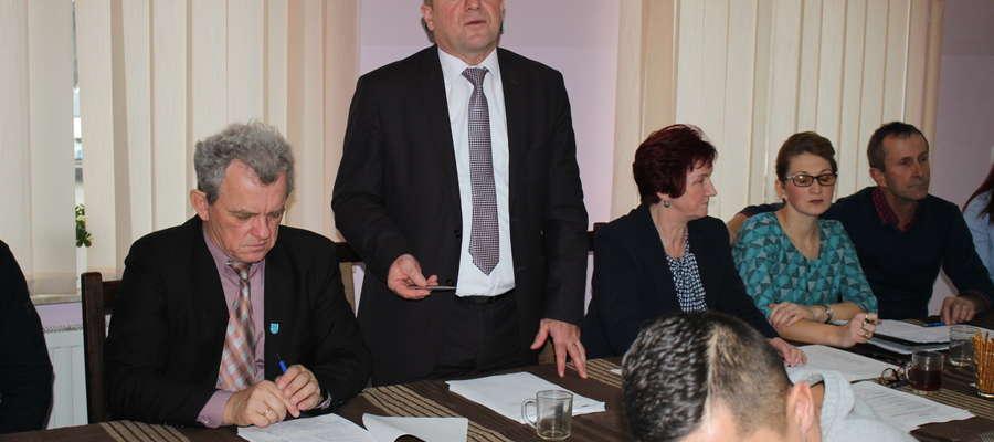 Wójt Piotr Kostrzewski uważa, że budżet jest dobry, choć zawsze chciałoby się zrobić więcej