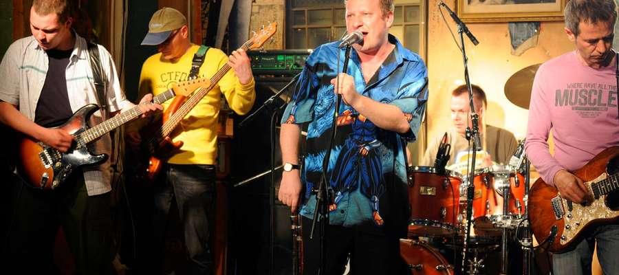 Zespół Bielizna, legenda trópjmiejskiej sceny alternatywnej, rozpocznie niezwykle kulturalny weekend na reszelskim Zamku.
