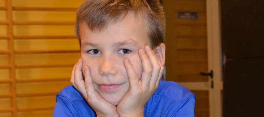 Jeden z najmłodszych uczestników Patryk Sargalski zastanawia się, kiedy dorówna swoim wujkom Michałowi i Szymonowi