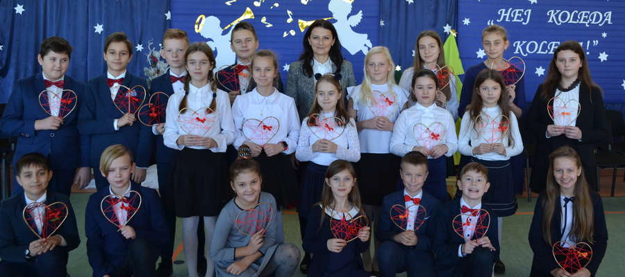 Młodzi wykonawcy dostali za występ prezenty od WTZ