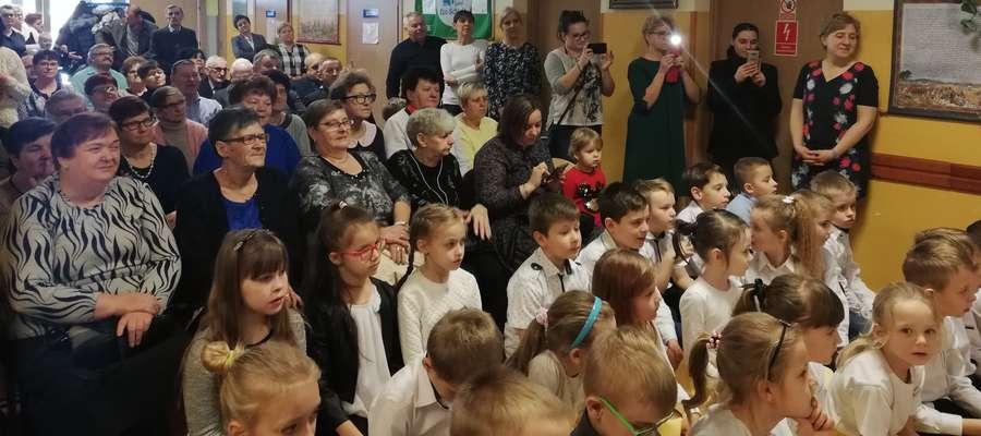 W szkole w Gwiździnach pojawili się mili goście