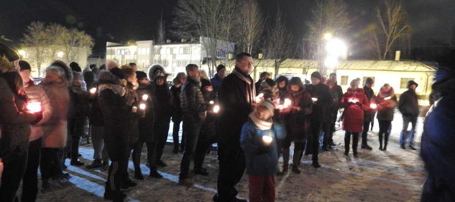 Światełko pamięci  dla prezydenta Pawła Adamowicza zapłonęło w Ostródzie