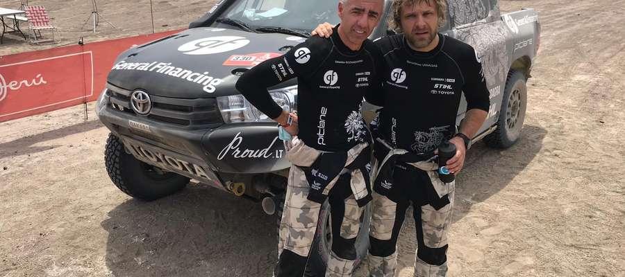 Seabastian Rozwadowski Benediktas Vanagas na mecie trzeciego etapu Rajdu Dakar 2019
