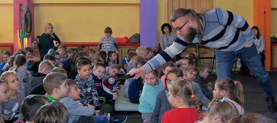 """Sebastian Teska był gościem w szkole """"Jedynce"""""""