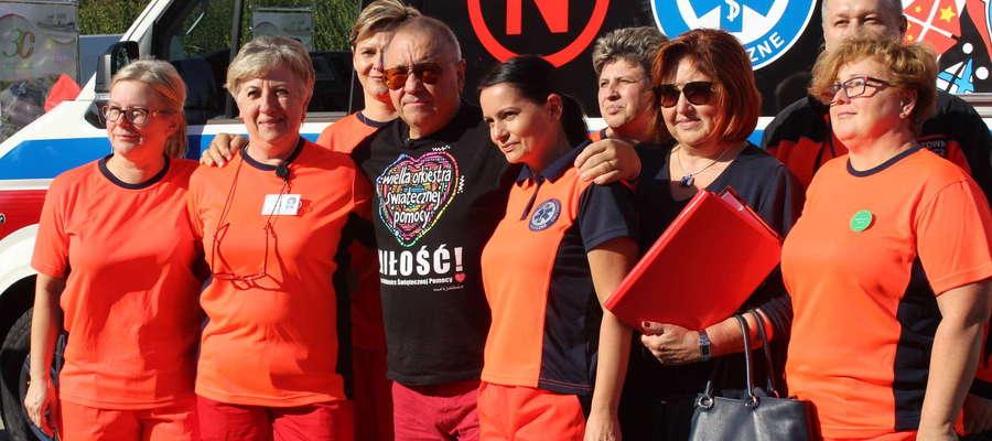 Jurek Owsiak z ratownikami ze szpitala wojewódzkiego