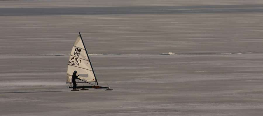 Bojer na jeziorze Niegocin