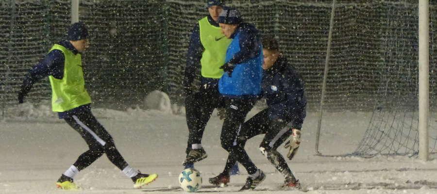 W takich warunkach zimowe przygotowania do rundy rewanżowej rozpoczęli piłkarze Jezioraka Iława