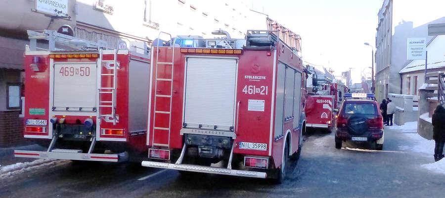 Pod wskazany adres dyspozytor straży pożarnej wysłał kilka jednostek.
