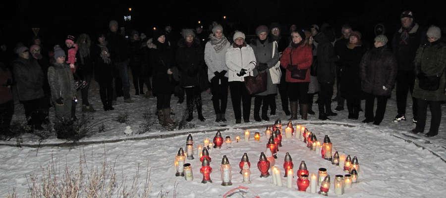 Mieszkańcy Bisztynka uczcili pamięć prezydenta Pawła Adamowicza [ZDJĘCIA, FILM]