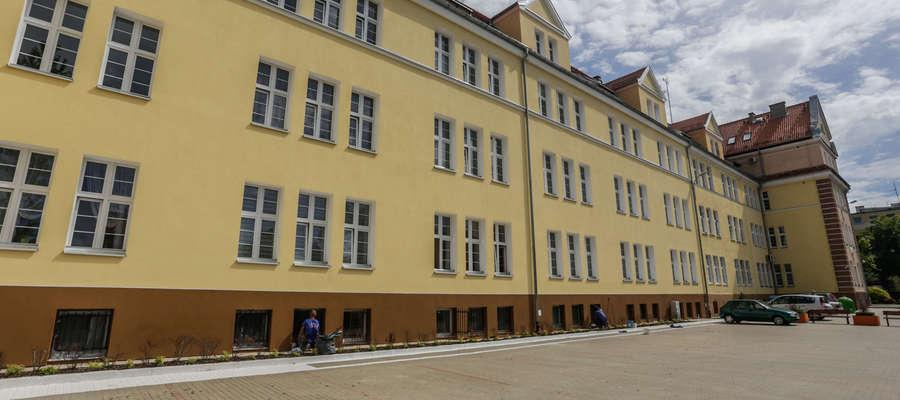 W miasteczku handlowym na ul. Saperów, w 2017 roku, powstały pierwsze czynszówki w budynku po dawnym ZST-H