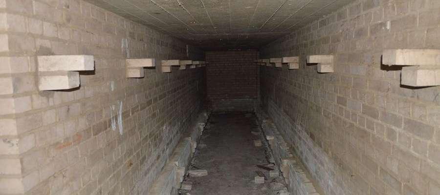 Jeden z korytarzy schronu pod pl. Grunwaldzkim w Giżycku