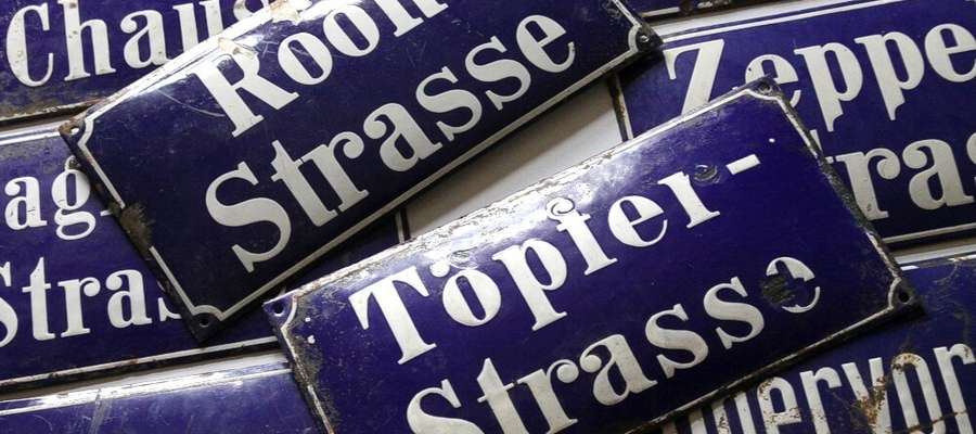 Eksponat miesiąca: Tablice z nazwami ulic dawnego Olsztyna