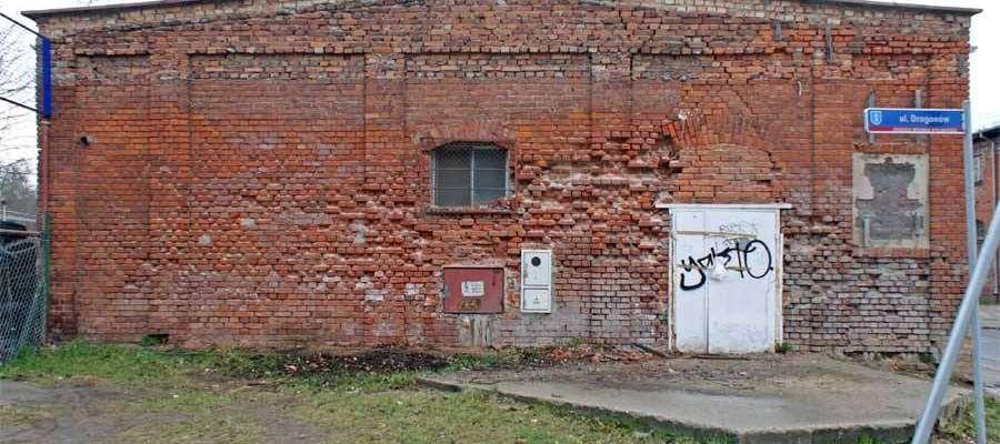 Społecznicy chcieliby zagospodarować ten niszczejący budynek